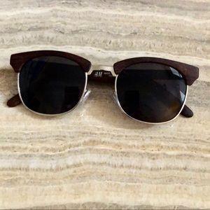 NWOT unisex sunglasses